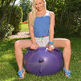 1by-day/tracy_lindsay-sex_toys-091714/pthumbs/001.jpg