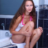 amour-angels/8368-chloe-wet_from_showering-121414/pthumbs/bp_001.jpg