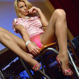 apantyhose/13-sexy_blonde_long_legs_sheer_tan_pantyhose/pthumbs/09.jpg