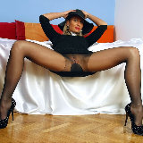 apantyhose/15-busty_milf_sheer_black_pantyhose_and_high_heels/pthumbs/08.jpg
