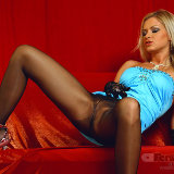 apantyhose/16-busty_sexy_blonde_long_hot_legs_black_pantyhose/pthumbs/05.jpg