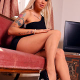 apantyhose/636-ashley-leggy_blonde_in_nude_pantyhose/pthumbs/03.jpg