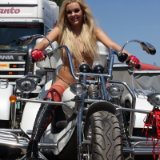 babes-on-bike/584-isabell-posing_on_trike-070413/pthumbs/14.jpg