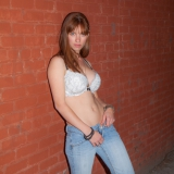 cosmid/2280-jessica_fisher-in_the_alley-060515/pthumbs/06.jpg