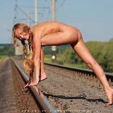 david-nudes/alena-hop_on_for_a_ride-112712/pthumbs/4.jpg