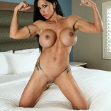 female-muscle-network/jewels_jade-4-pink_jewels/pthumbs/1001.jpg