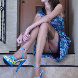 lacy-nylons/5593-florence-upskirt_long_legs-102113/pthumbs/lacynylons_g5593_003.jpg