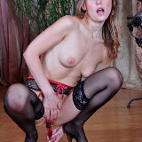 lacy-nylons/5640-bessy-hottie-solo_anal-102014/pthumbs/lacynylons_g5640_064.jpg