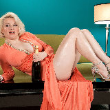 leg-sex/GoldieRay-28038-champagne_dame-071213/pthumbs/01.jpg