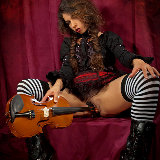 magic-erotica/violin-idoia/pthumbs/3.jpg