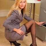 only-secretaries/2784-barka-long_legged_blonde-032015/pthumbs/05.jpg