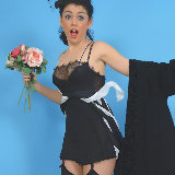 pin-up-wow/bryoni_kate_williams-7n-roses_to_rescue-042314/pthumbs/bryoni_kate-7n-06.jpg