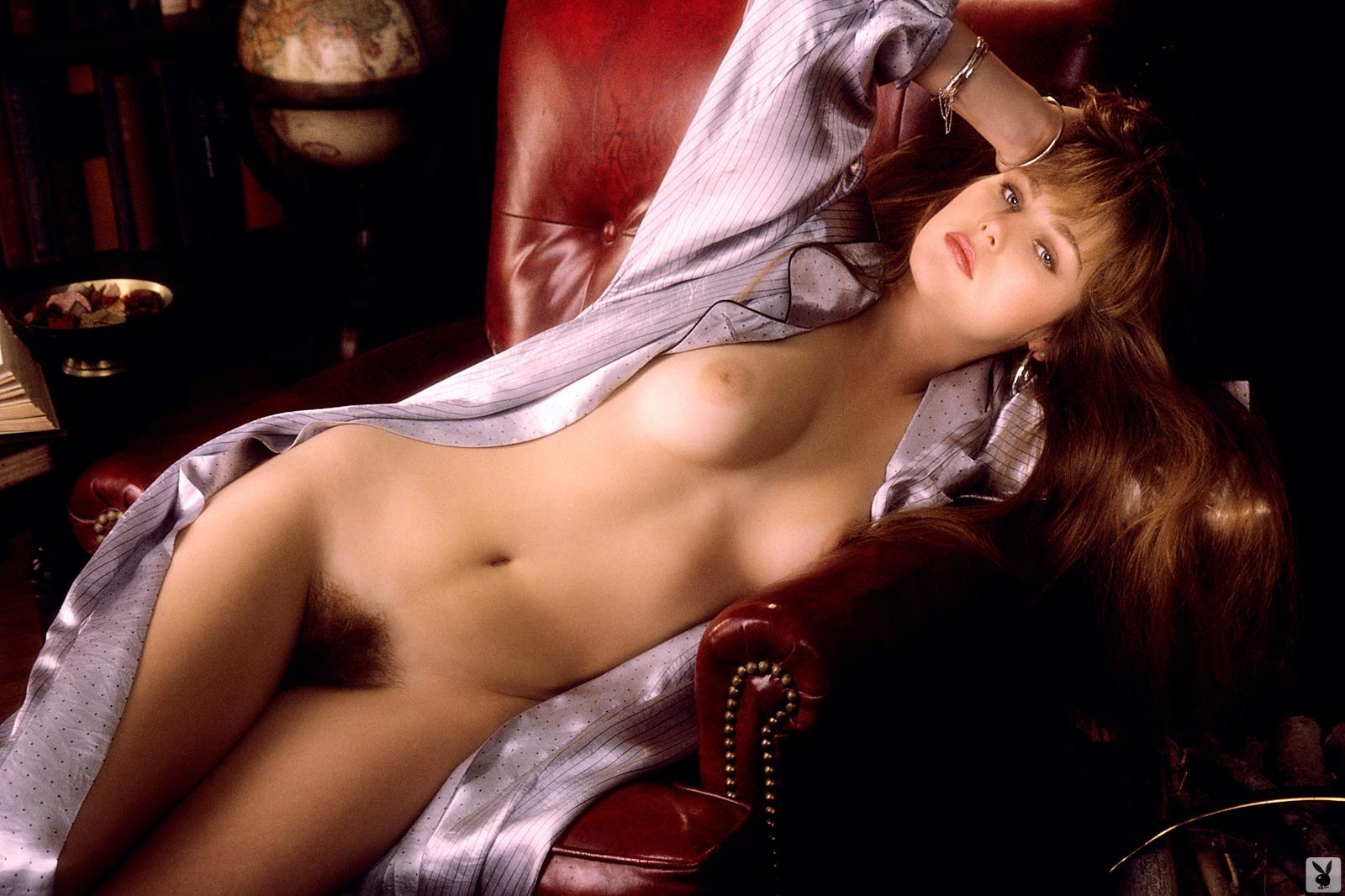 obtyagivayushee-eroticheskoe-triko-seksi-sport