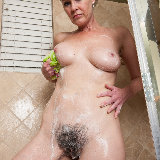wearehairy/veronica_snow-soapy_shower-020713/pthumbs/VeronicaSnow_SoapyShower_069.jpg