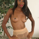 young-black-gfs/1291635840-marie_chantilly-dark_pussy/pthumbs/01.jpg